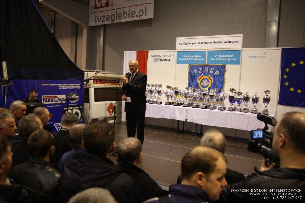 Jan Kawaler, Prezydent PZHGP na tle pucharów za Generalne Mistrzostwo Polski 2012.